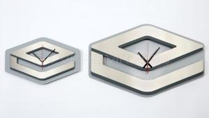 Сувенирные часы-логотип